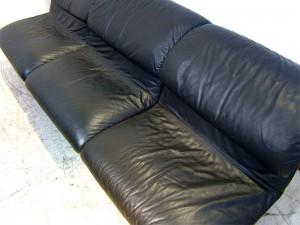 芦屋市にてサポリティー イタリア(Saporiti italia)のソファーを買取させていただきました。