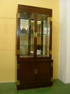 神戸市中央区にてカリモク-ドマーニのキャビネット(飾り棚)をお買取させていただきました。