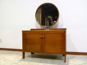 神戸市北区にてヴィンテージ家具-日本楽器製造(ヤマハ)のドレッサーをお買取させていただきました!