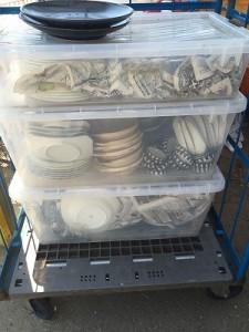 神戸かいとりや本舗では不用品回収に出すような食器を買取りしています。