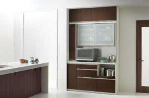 神戸市東灘区にて洗練性が特徴的なパモウナ家具の食器棚を買取してきました