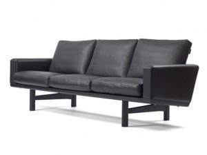 神戸市中央区にて数々の革新的な北欧家具で知られるゲタマのソファを買取してきました