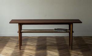 神戸市中央区にて様々なライフスタイルを提案するスローハウス家具のテーブルを買取してきました