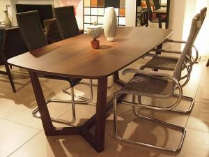 神戸市灘区にて数多くの創造性豊かなデザイン家具で知られるポリフォームのテーブルを買取してきました