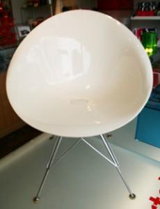 神戸市東灘区にてイタリア・デザイン家具で有名なカルテルの椅子・チェアを買取してきました
