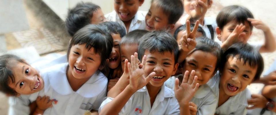 ぬいぐるみは東南アジアの子どもたちに寄付のイメージ